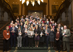 The Ontario Liberal caucus and BnS dolls. Click for larger photo...